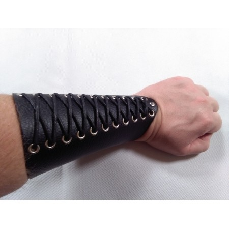 Leather bracer type 1