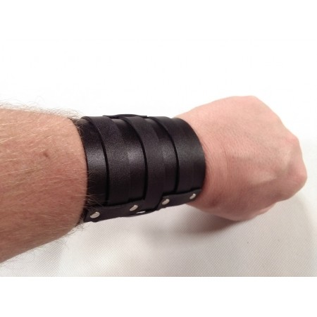 Leather bracer type 2
